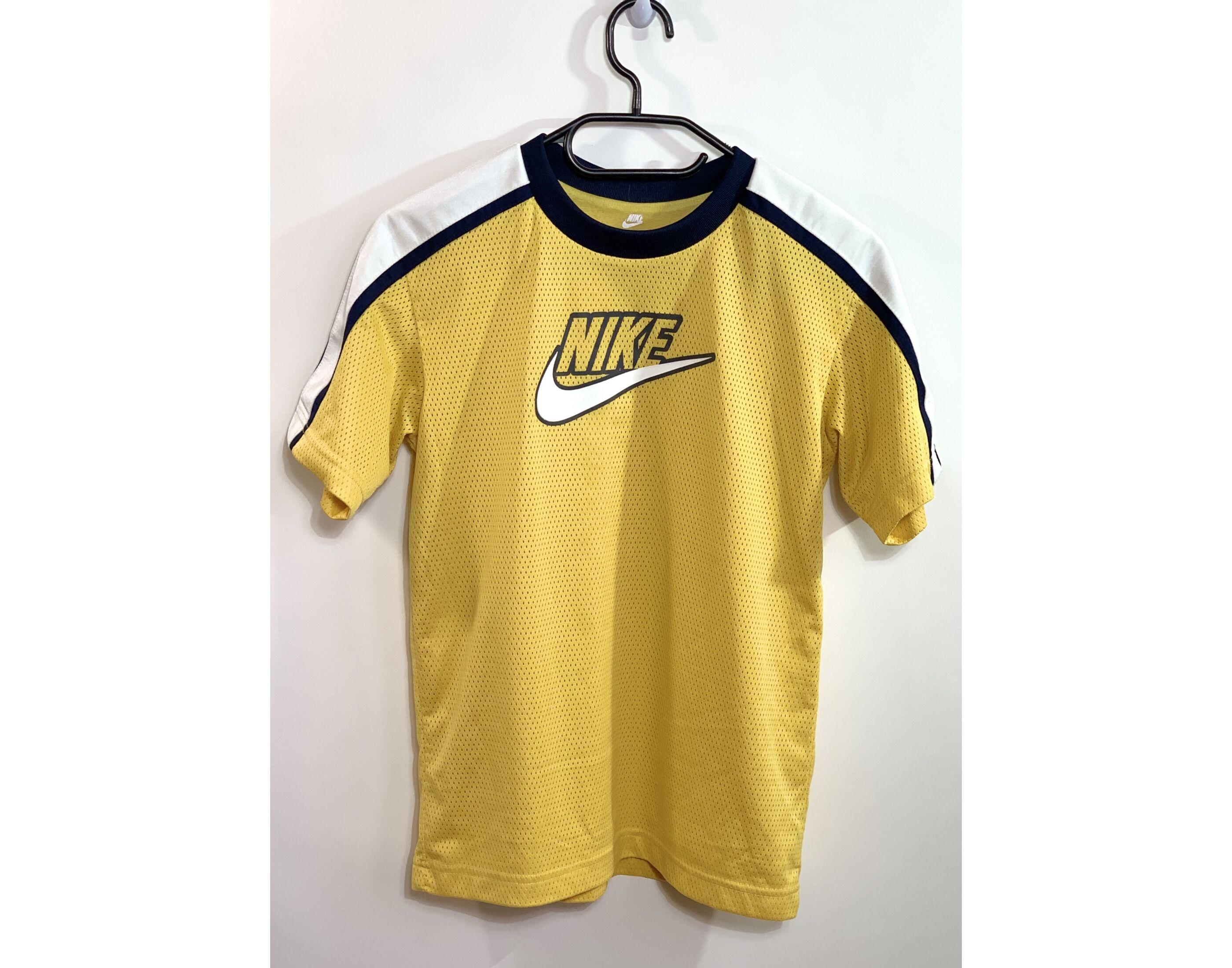 Nike póló (10-12év)